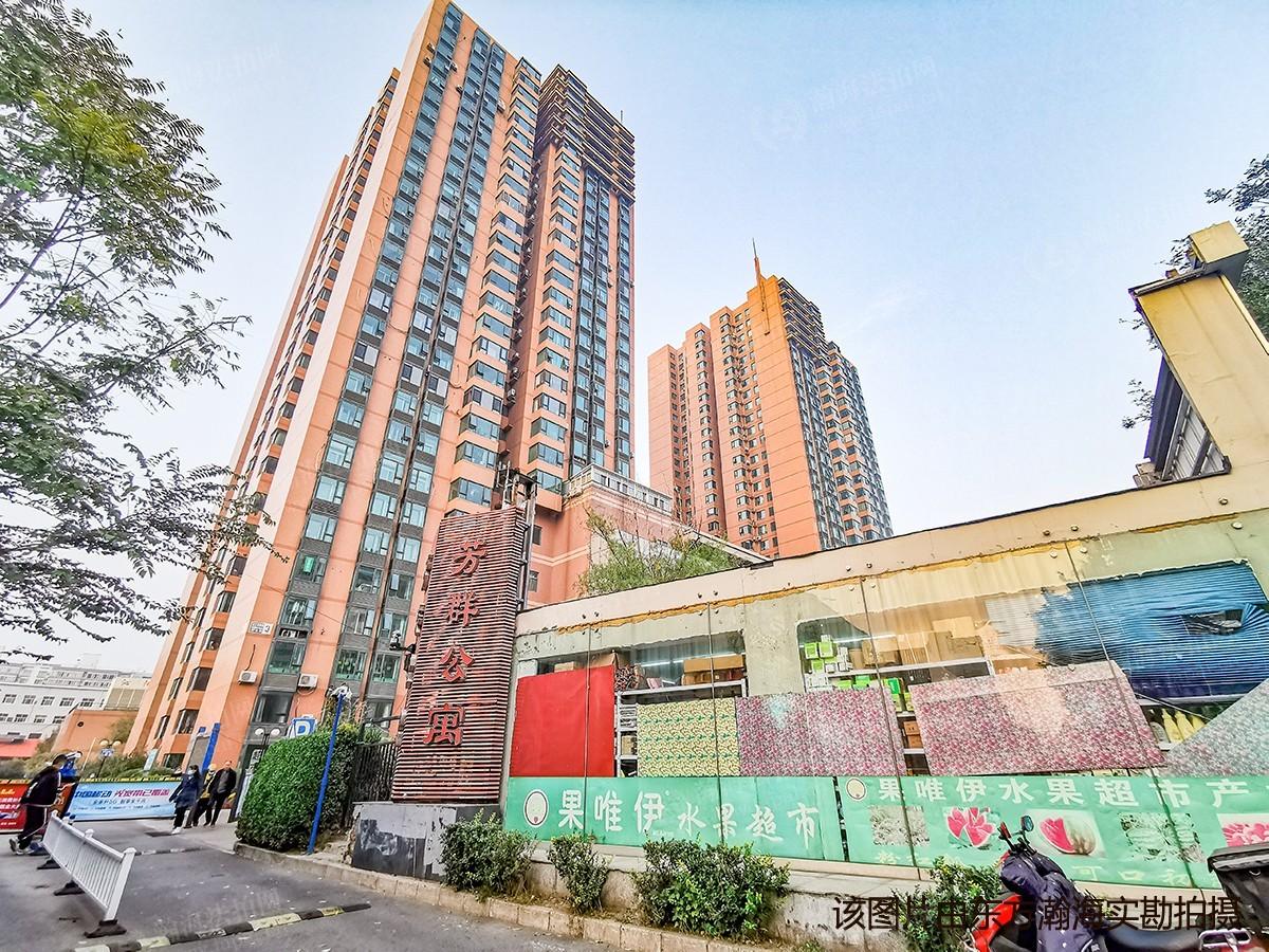 芳群公寓1号楼(C座)701室