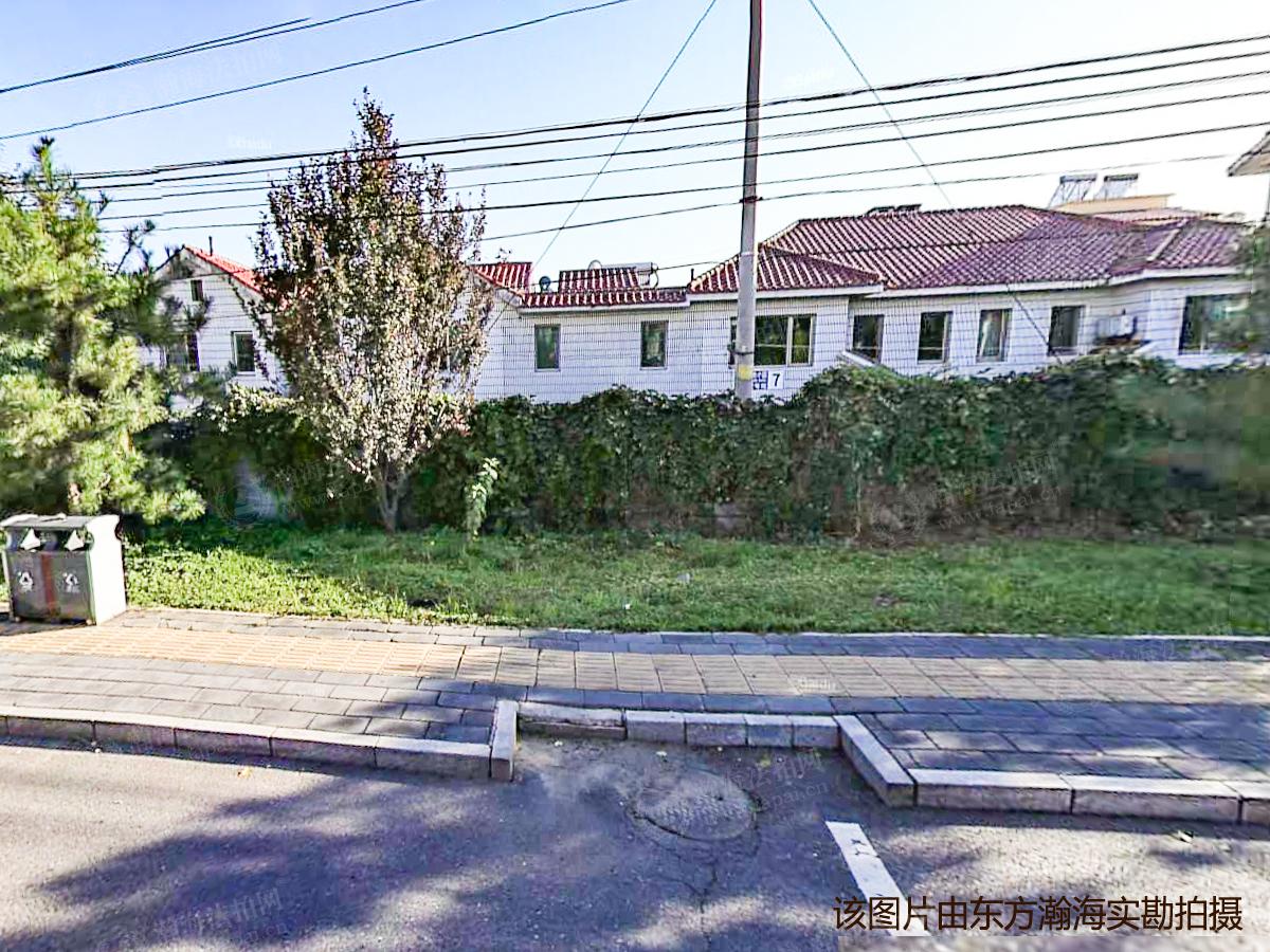 湖光小区33号院梅苑1号楼2单元202室