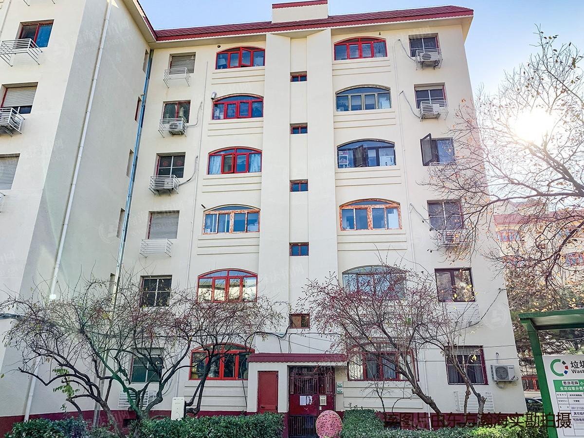 恩济花园15号楼E座502室(带1地下室)