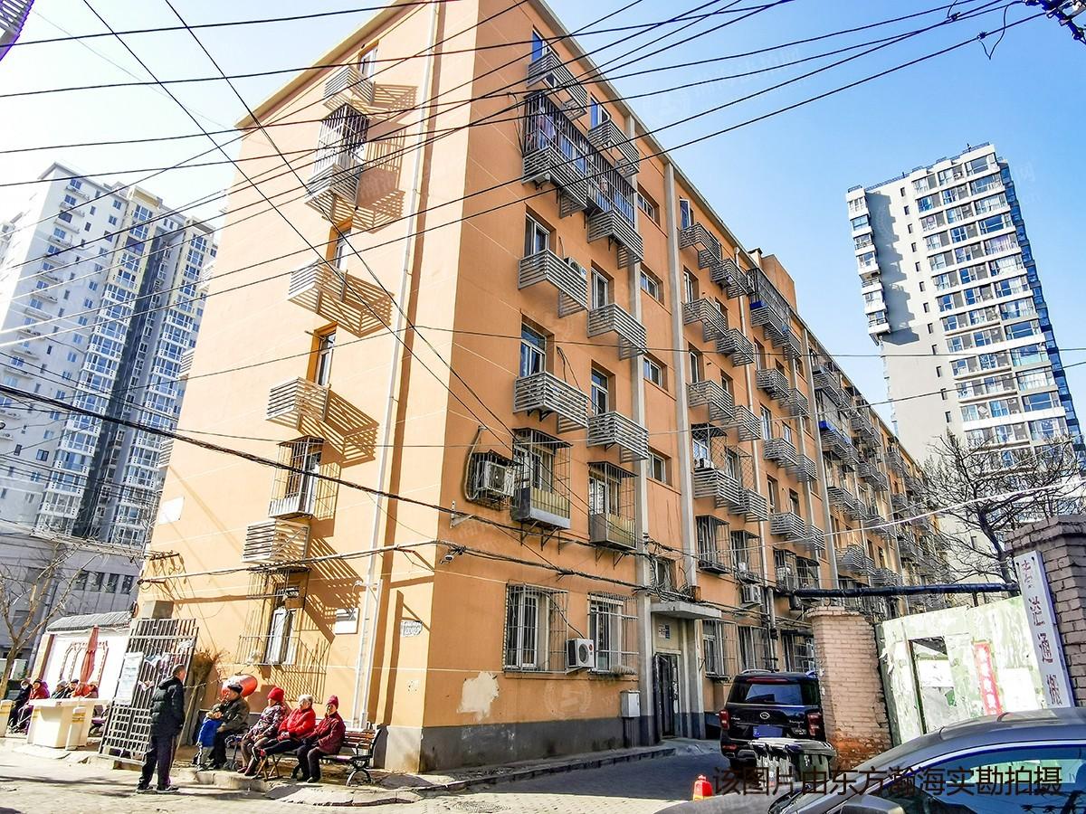 广渠门外大街路北区(建木小区)19号楼1单元1室