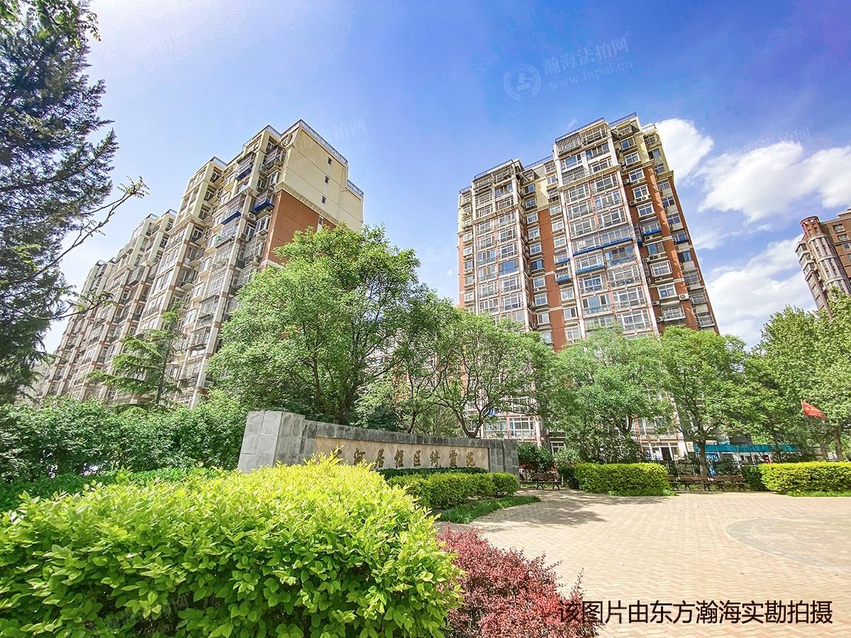 绮霞苑5号楼4单元402室