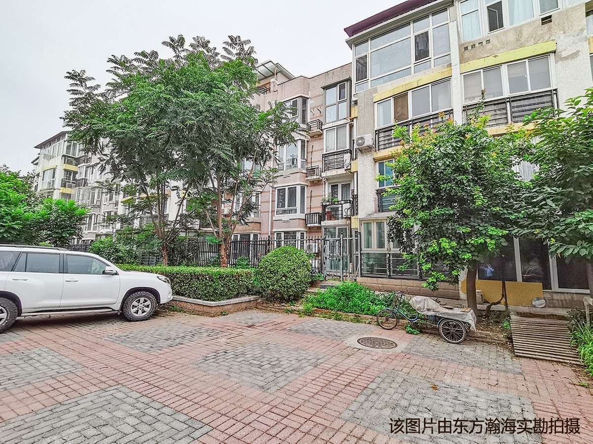 百旺家苑西区30号楼1单元102室(带小院)