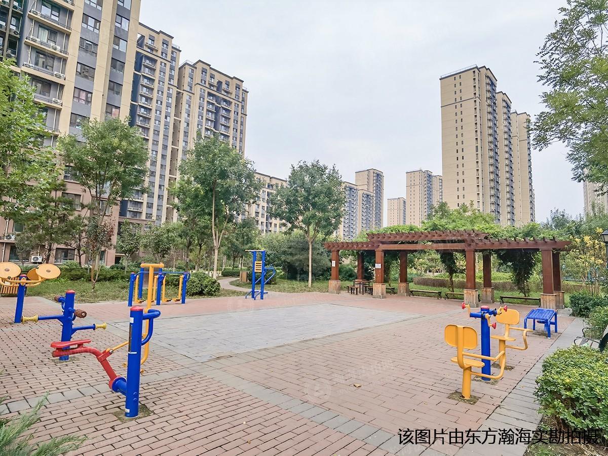 中国铁建通瑞嘉苑8号楼2单元1204室